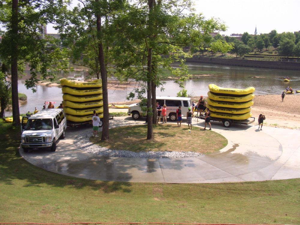 Phenix city ramp paddler access point at chattahoochee for Cabins near whitewater amphitheater