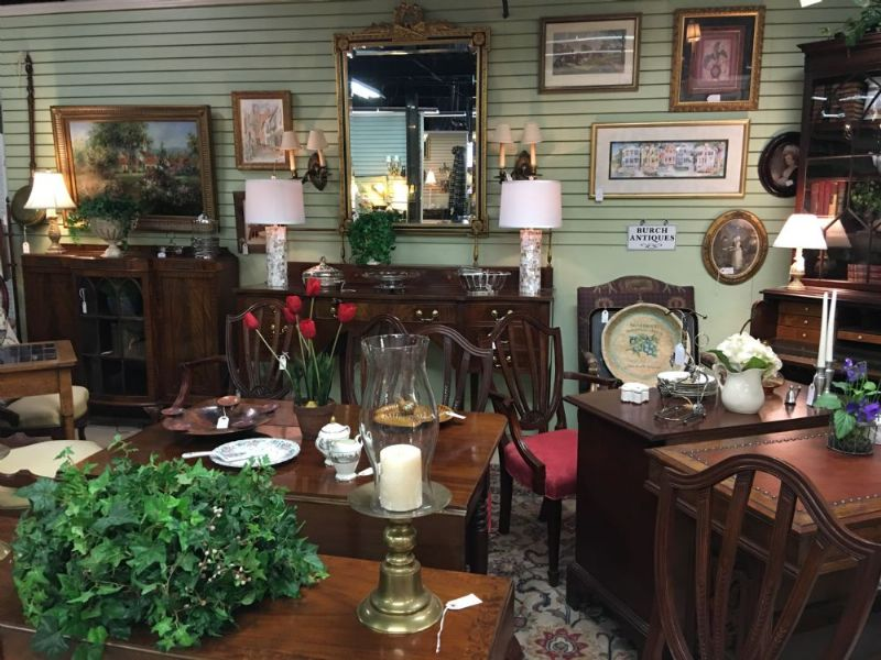 - Hanna Antiques Mall